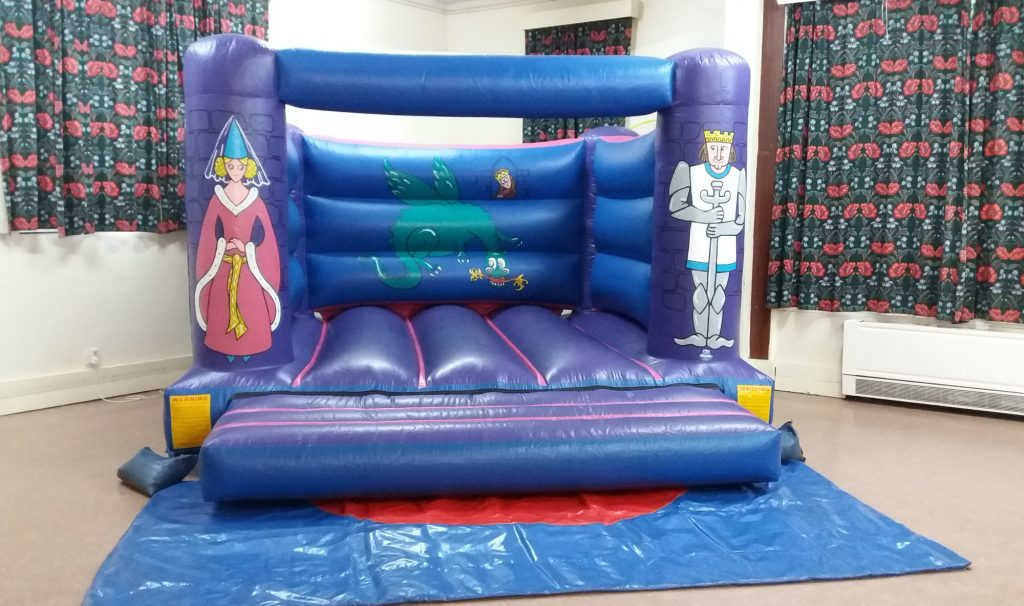 Knights Bouncy Castle hire in Stoneham, Southampton