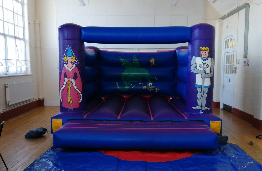 Knight & Princess Party Bouncy Castle for primary birthday parties