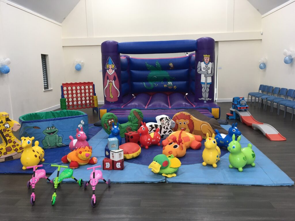 Knights & Princess Castle with Ballpool and Soft Play - £140 to hire